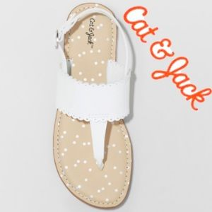 "Girls🆕Sz13 White Scalloped ""Rosie"" Thong Sandal"